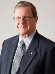 Photo of Dr Lloyd Axworthy