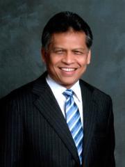 Photo of Dr Surin Pitsuwan